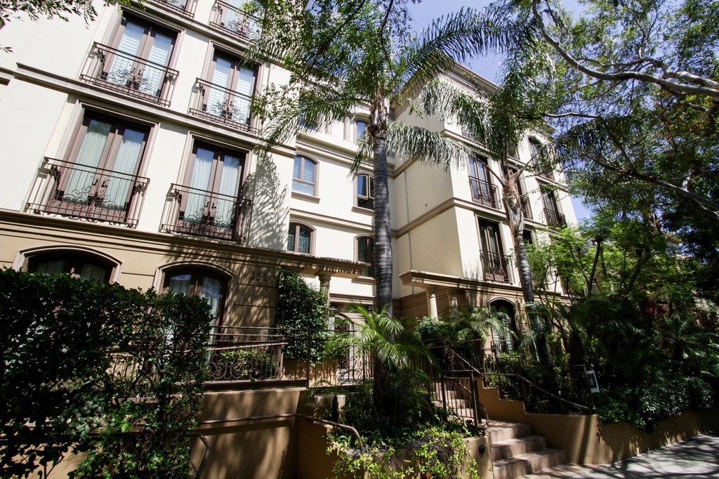 Beverly Hills Condos For Sale